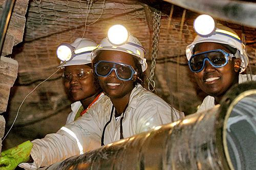 women_mining_lrg